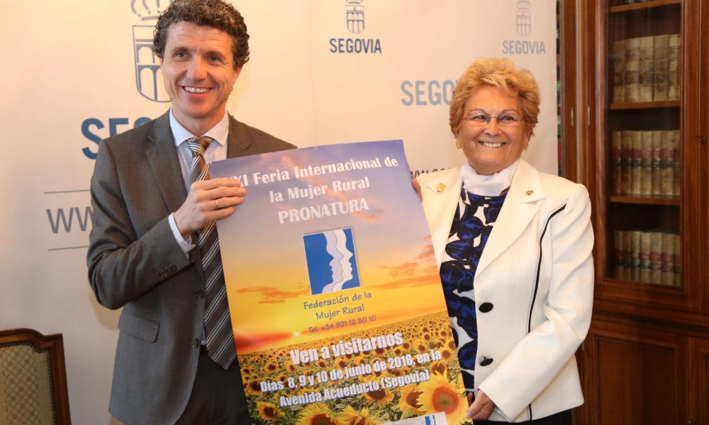 Juana Borrego presenta la XXI Feria Internacional de la Mujer Rural en una rueda de prensa en Segovia
